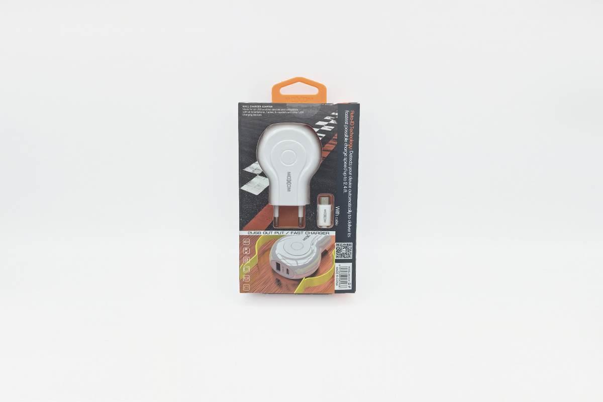 Сетевое зарядное устройство  USB + Type C 2400mAh + кабель micro USB MOXOM MX-HC01 в упаковке