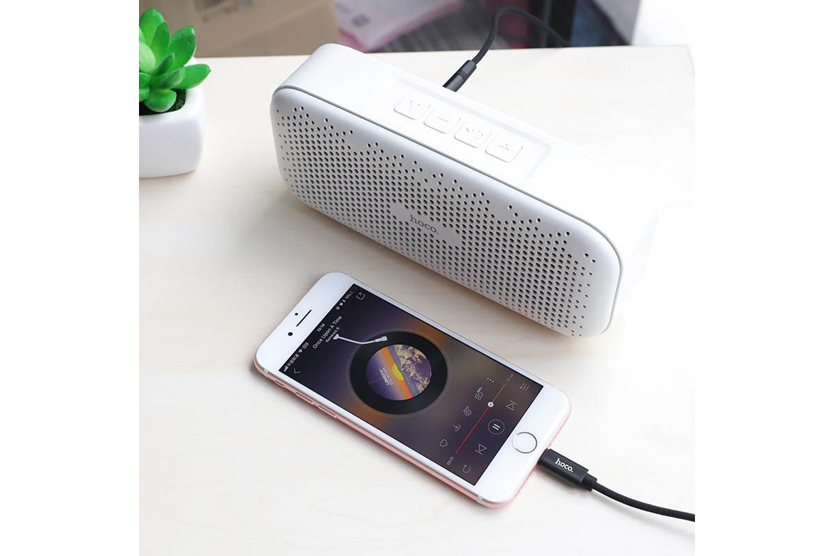 Адаптер-переходник HOCO UPA13 Sound source series Apple digital audio conversion cable черный