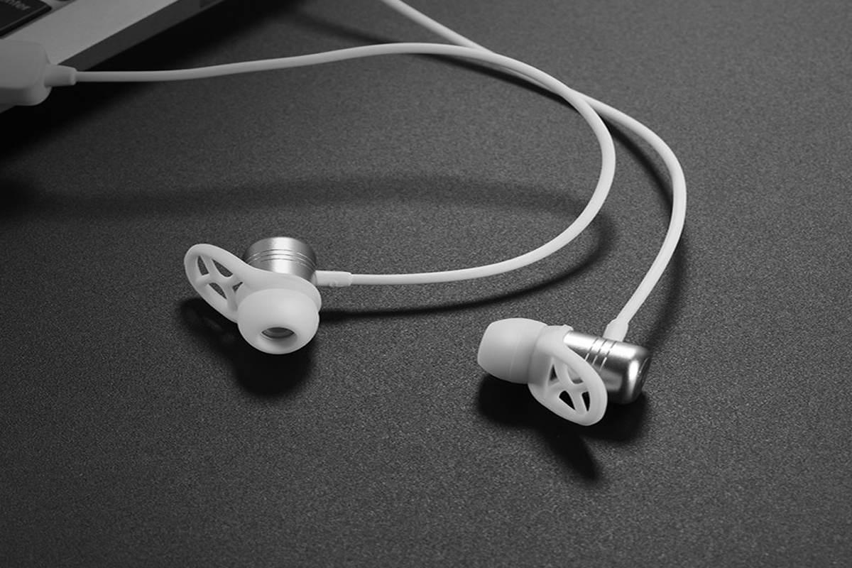 Bluetooth-гарнитура ES14 Plus breathing sound sports wireless headset HOCO серебристая